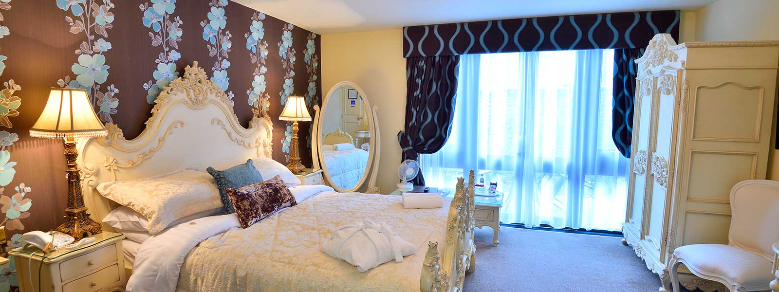 Rooms at Angmering Manor